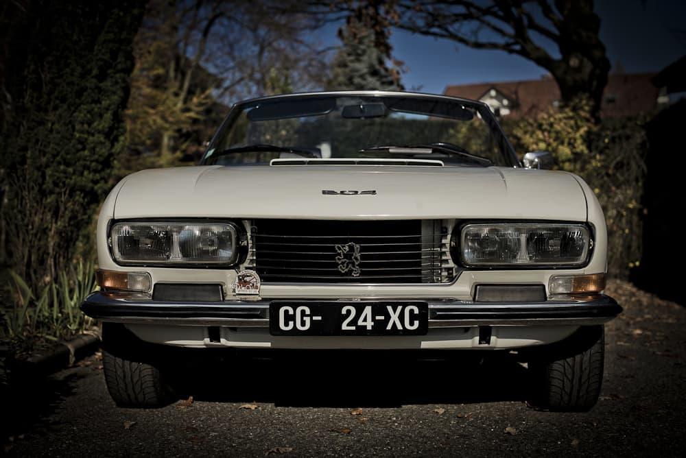 504-peugeot-john-classic-restauration-voiture-ancienne-classique-collection