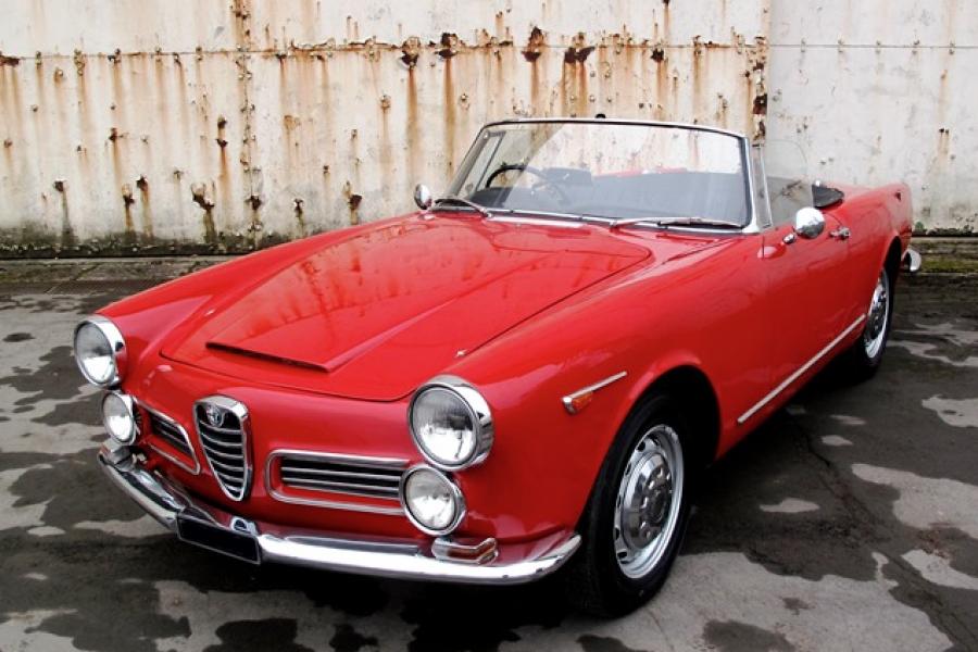 Refit Alfa Romeo 2600 touring